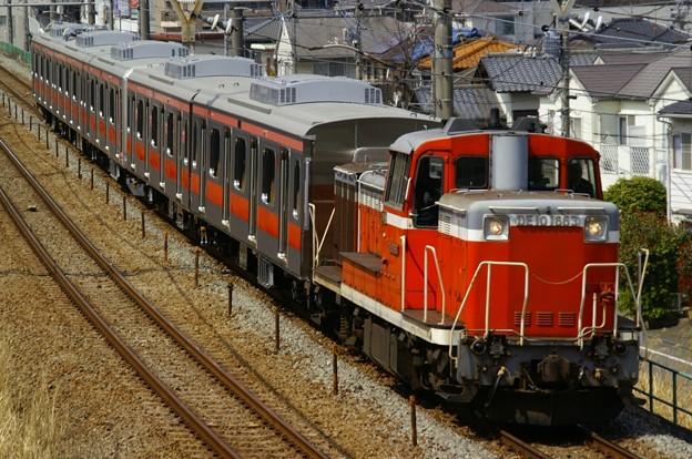 横浜線をゆく東横線車両