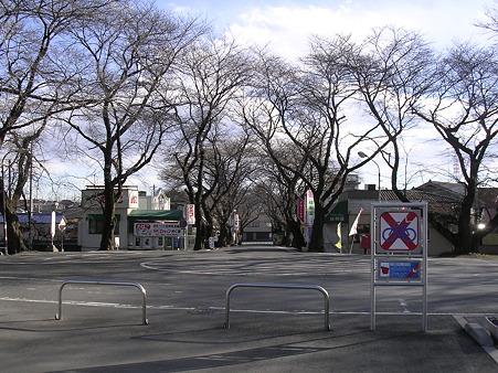 武蔵高萩駅前