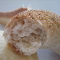 全粒粉のけしの実パンの断面