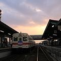 夕暮れの水海道駅 キハ350形