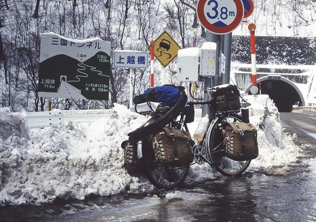 雪の三国越え
