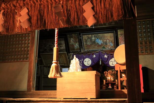 Photos: 大晦日の布川神社 拝殿