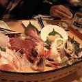 写真: 晩飯なう。凄い船盛り。。。