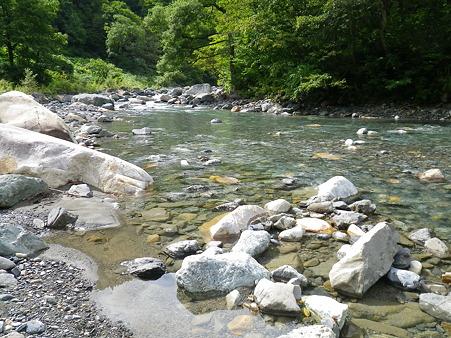 某渓流にて