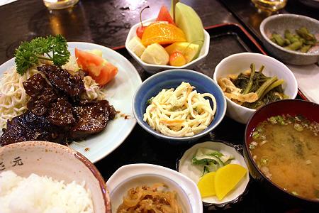 西千葉「中華料理 和食 ふさ元」マグロのみみ焼ステーキ定食 1000円