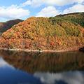 彩る早池峰湖