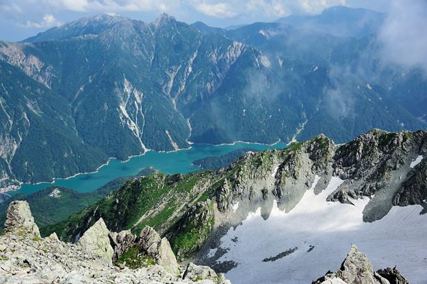 黒部湖と後立山連峰