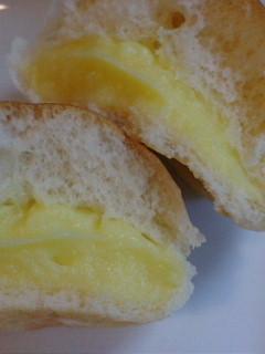 ヤマザキ薄皮クリームパン