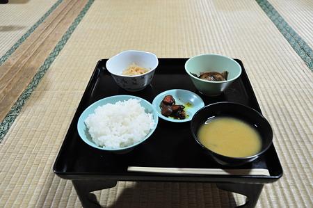 敬慎院の朝食。モチロン精進料理