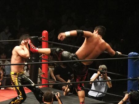 DDT 両国ピーターパン2011 〜二度あることは三度ある〜 KO-D無差別級選手権 石川修司vsKUDO (12)