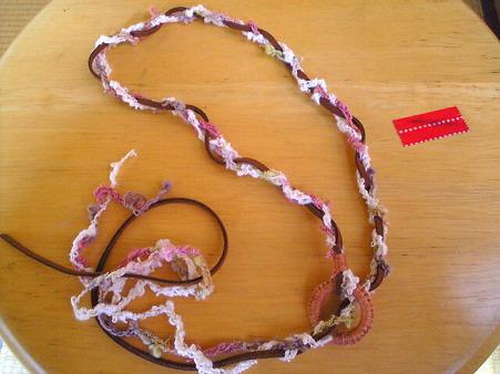 簡単ラリエット~編み編み中