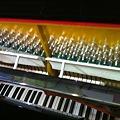 Photos: シンガポール製ピアノ