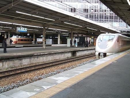 683系(新大阪駅)2