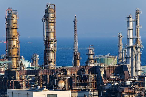 工場の煙突群