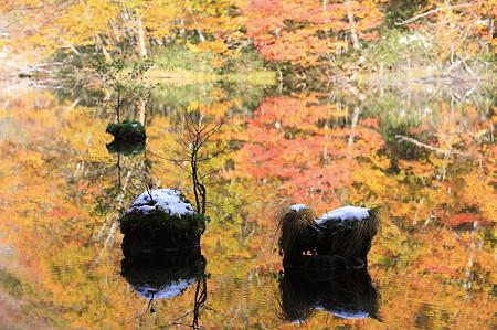 2010.10.28 蔦温泉 菅沼 ぁぁ秋