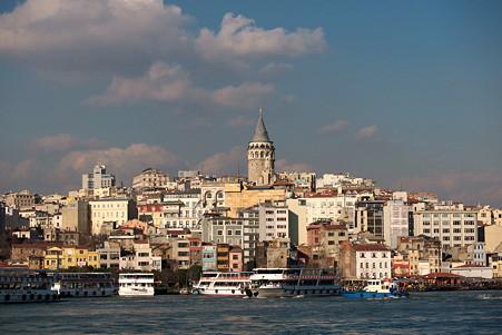 2011.01.27 トルコ イスタンブル イェニ・ジャーミィモスク前広場からガラタ地区