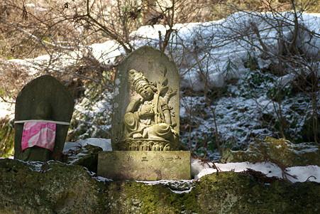 2011.03.09 山寺 石仏-2