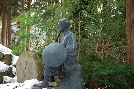 2011.03.09 山寺 曽良像