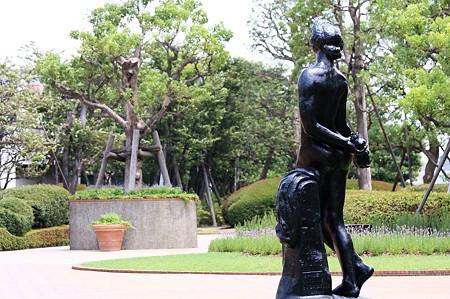 2011.07.02 横浜 ジョイナスの森彫刻公園 果実 A・グールデル 1911
