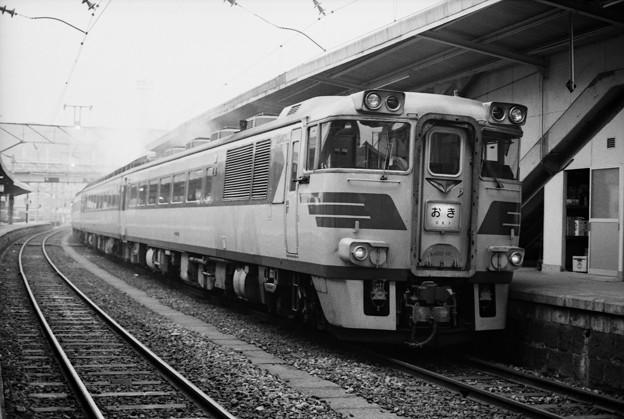Photos: 181系おき、小郡駅