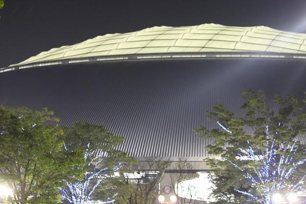 写真: 夜の西武ドームを振り返ってみた