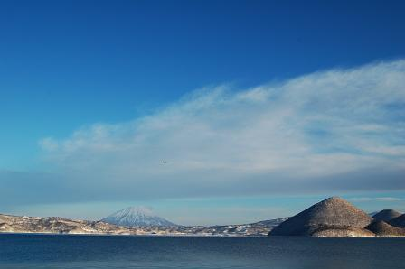 厳冬ながら快晴の洞爺湖