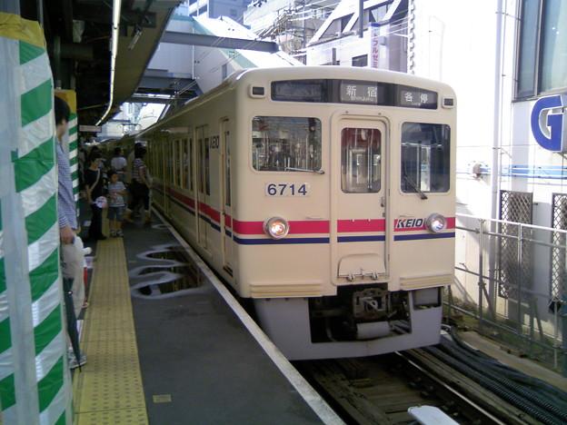 京王6000系(6714F) 各駅停車新宿行き