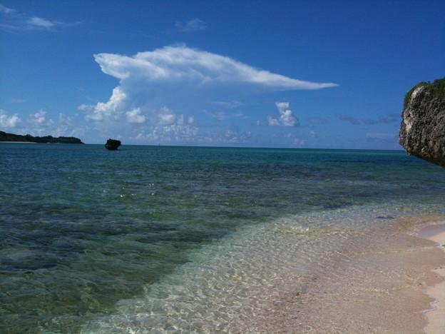 Photos: 宮古島の澄んだ海、青い空