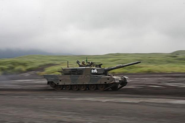 90式戦車_2011年富士総合火力演習6