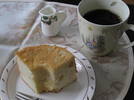 六花亭のシフォンケーキ