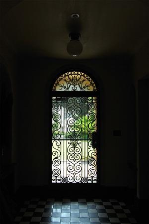 優雅な玄関