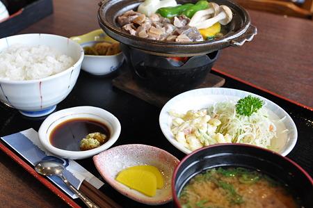 ダチョウ肉陶板焼(道の駅・夜叉ヶ池の里さかうち【岐阜】)