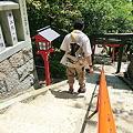 諏訪山神社参道
