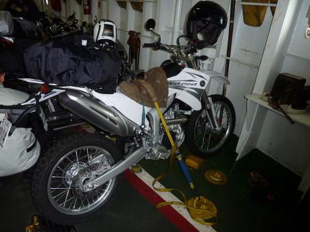 九四フェリーのバイク固定