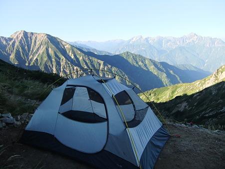 撤収前のテント